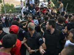 As Some Turkish Soldiers Surrender, Pro-Coup Faction Says Still Fighting