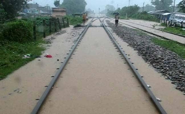 बिहार में बाढ़ : आठ जिलों में स्थिति भयावह, 17 लाख लोग प्रभावित