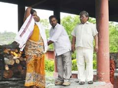 Hindu Man Died In Telangana; When Son Refused, A Muslim Woman Cremated Him