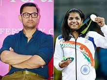 What Aamir Khan, Soon to Play Wrestler in <I>Dangal</i>, Said About Sakshi, Vinesh
