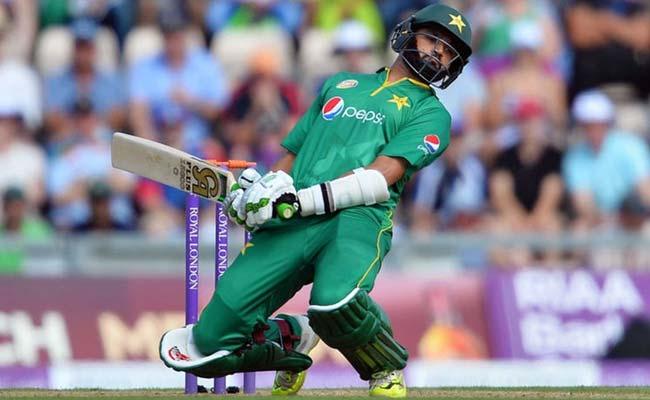 तीसरा वनडे : पाक की शर्मनाक हार के बाद अकरम-मियांदाद के निशाने पर कप्तान अजहर अली