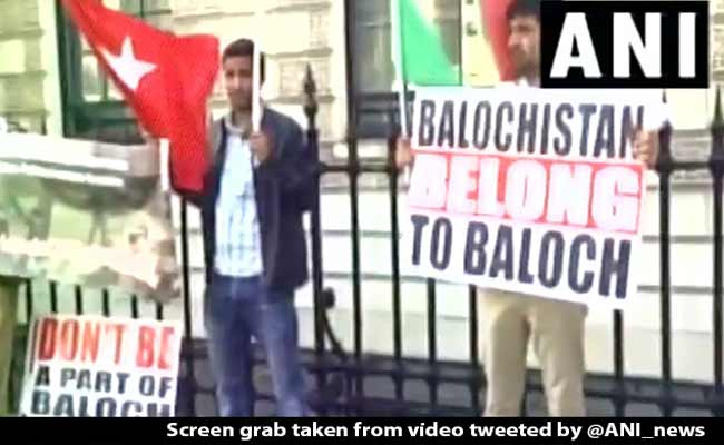 Baloch, Sindhi Activists Stage Protest Against Pak, China In UK