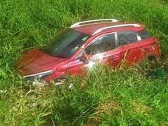 बेंगलुरु : जहरीले झाग वाली बेलंदूर झील में महिला की कार घुसी, बड़ा हादसा टला