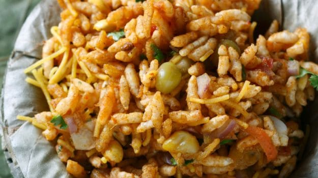7 Must Visit Street Food Places in Mumbai