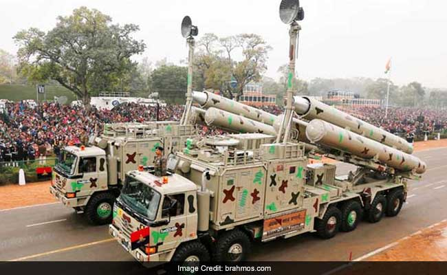 ब्रह्मोस की तैनाती को लेकर चीन की चेतावनी पर भारतीय सेना ने कहा, 'इससे आपको क्या'