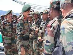 सेना प्रमुख दलबीर सिंह ने किया कश्मीर में एलओसी का दौरा, सुरक्षा का जायजा लिया