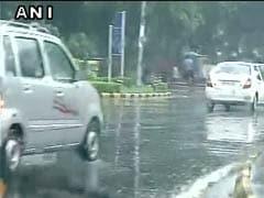 जोरदार बारिश से थम गई दिल्ली-गुड़गांव की रफ्तार, चौतरफा जबर्दस्त ट्रैफिक जाम