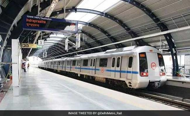 Delhi Metro Security Officer Fires In The Air After Some Men Assault Cop