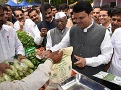 Devendra Fadnavis Goes Shopping, Buys Veggies For Rs 200