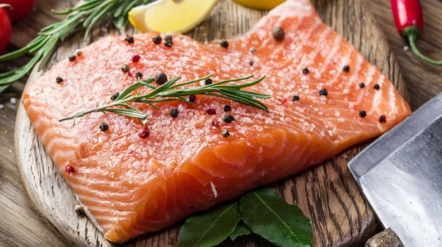 You May Be Able to Lower Risk of Diabetic Vision-Loss By Eating Oily Fish