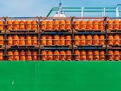 उज्जवला योजना के गैस सिलिंडर की एक माह में 41 बार तक रिफिलिंग! सीएजी की ऑडिट रिपोर्ट से उठे सवाल