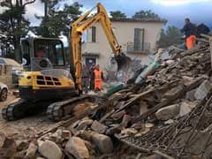 Italy Quake Town Sues Charlie Hebdo For 'Tactless' Cartoons