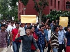 Jamia Millia Islamia Students Protesting Police 'Raids' Call Off Agitation