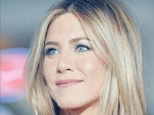 Jennifer Aniston Credits Father, Grandmother For Her Flawless Skin