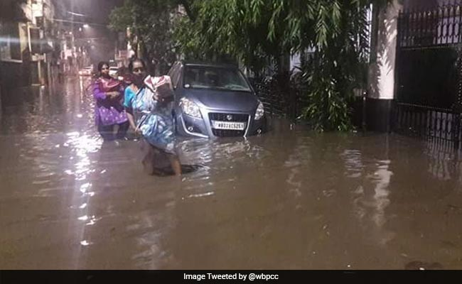 Massive Thunderstorm In Kolkata, 3 Dead, 5 Injured