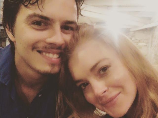 Lindsay Lohan Still Flaunting Engagement Ring Amidst Split Reports