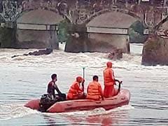 मुंबई-गोवा हाइवे पुल हादसे पर राजनीति तेज, सीएम फडणवीस ने दिए न्यायिक जांच के आदेश