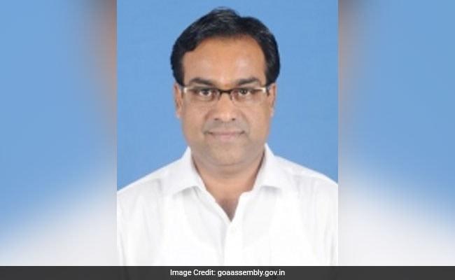 गोवा के निर्दलीय विधायक नरेश सावल ने कहा, 'भ्रष्टाचारियों के हाथ काट दें'...