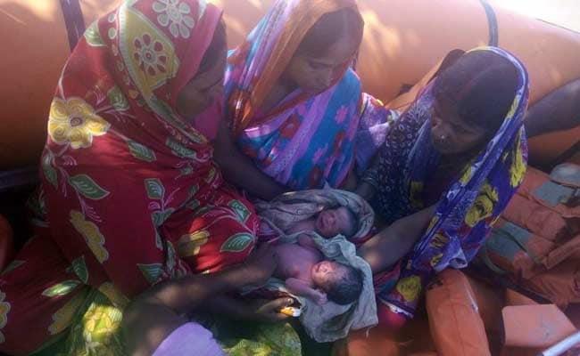 बाढ़ प्रभावित बिहार में NDRF टीम ने बोट पर एक और महिला का प्रसव कराया, जुड़वां बच्चे का जन्म
