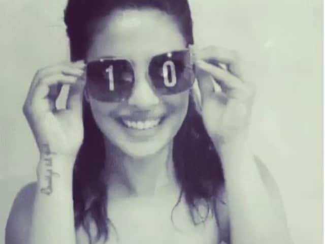 Priyanka Chopra Thanks 10 Million Instagram Followers Kala Chashma Style