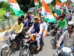 Union Ministers Seen Riding Without Helmets In Jaipur