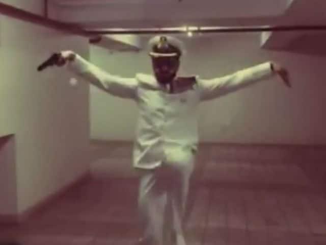 For Akshay's Rustom, Funniest Dance-Off Ever by 'Chhupa Rustom' Ranveer