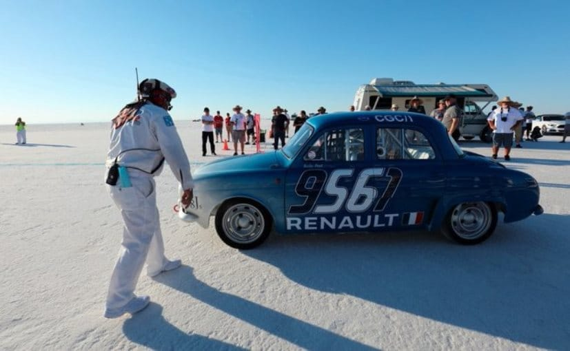 60-Year-Old Renault Dauphine Sets New Speed Record At Bonneville Salt Flats