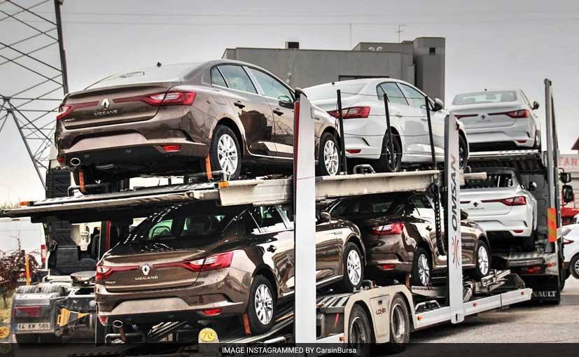 Renault Megane Sedan Spotted Testing Sans Camouflage Ndtv Carandbike