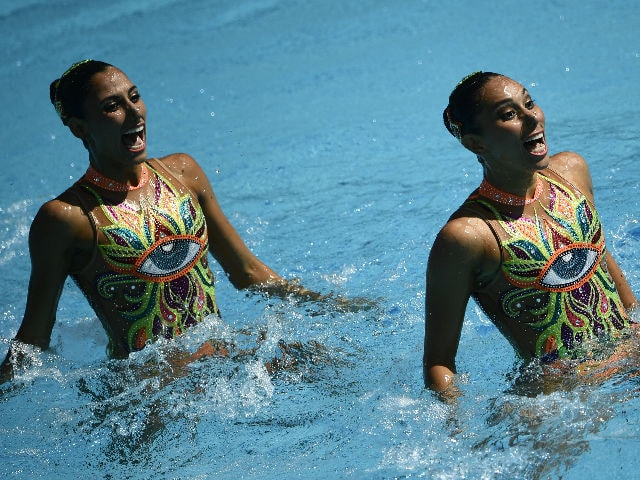 Mexican Swim Team Performing to Akshay's Aila Re Song is Superhit in Rio