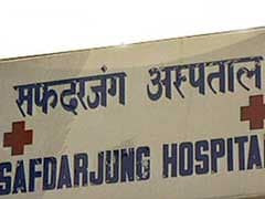 Resident Doctors At Delhi's Safdarjung Hospital Call Off Strike