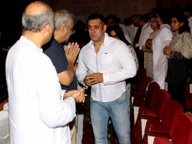 Salman Khan's Emotional Farewell to Rajjat Barjatya