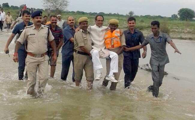 शिवराज सिंह चौहान को कोसना कितना वाजिब, क्योंकि हमारे नेता वैसे ही होते हैं, जैसे हम...