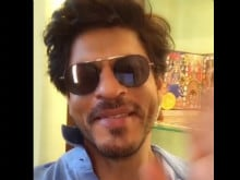 In Which Shah Rukh Khan Looks 'Prettier.' He Sends Greetings From Prague