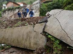 Landslides Caused By Earl Leave 6 Dead In Mexico