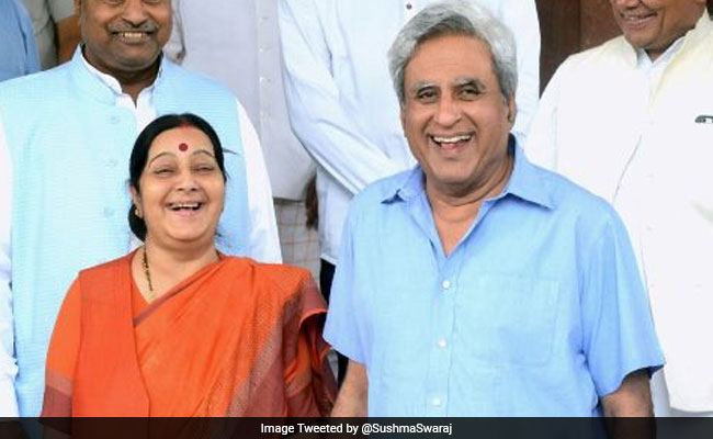 Sushma Swaraj Bumped Into Husband At Work, Tweeted This Fab Photo