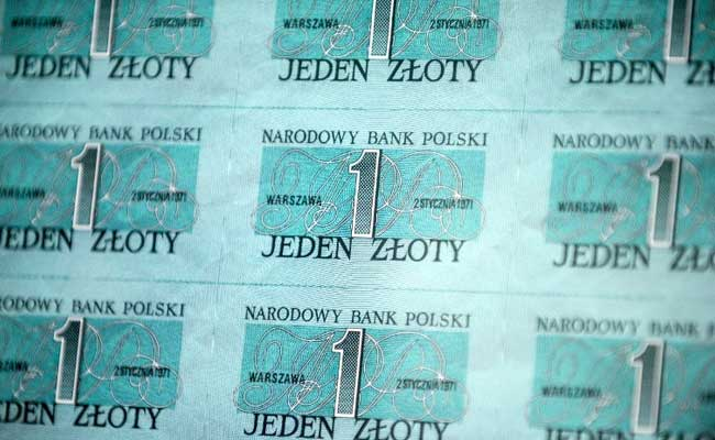 Top Secret Cold War Banknotes From 1970s Now Surface In Poland