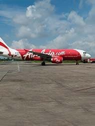 Air Asia इंडिया ने पायलटों की मई-जून की सैलरी में की 40% की कटौती