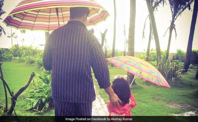 बेटी नितारा के लिए जोकर और मगरमच्छ बने अक्षय कुमार, ट्विंकल खन्ना ने पोस्ट की तस्वीर