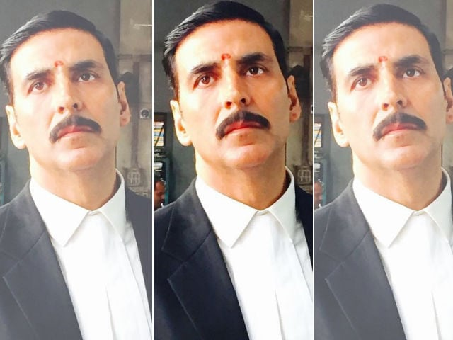 Akshay Kumar Tweets a Pic From Jolly LLB 2 Sets And Fans Are Worried
