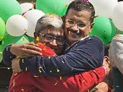 अरविंद केजरीवाल के इनकार के बाद भी इस्तीफे पर अड़े आशुतोष, आम आदमी पार्टी मनाने में जुटी
