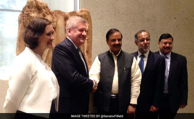 Australia Gallery Returns 2 Sculptures To India