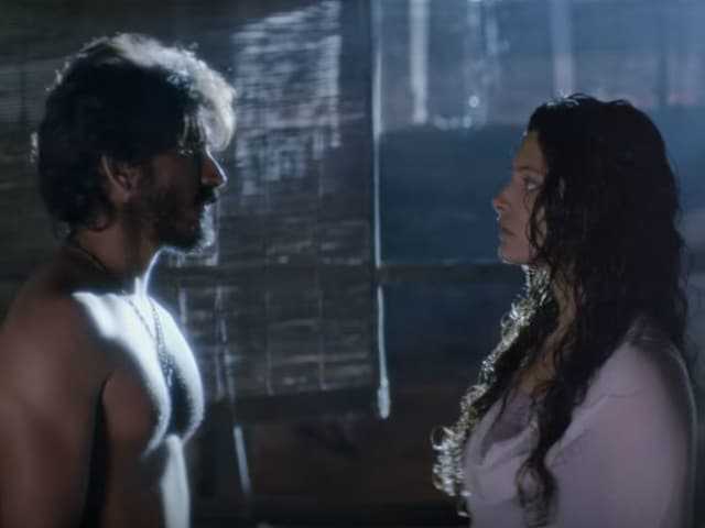 Harshvardhan, Saiyami's Tale of Love and Passion in Mirzya Song Chakora