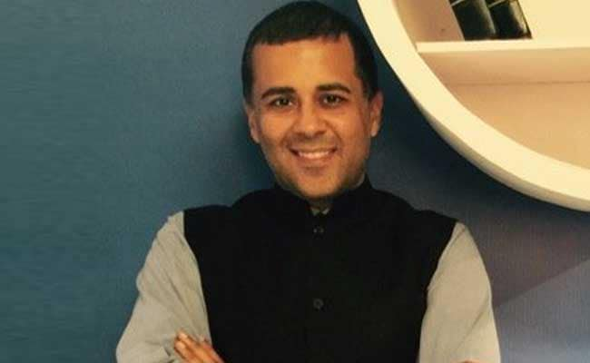 Chetan Bhagat In Delhi University English Syllabus? Twitter Is Shocked