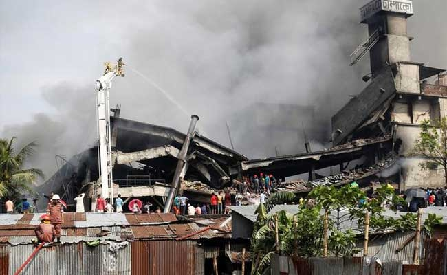 Smoke, Cracks In Building Hamper Search After Bangladesh Factory Fire