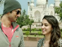 Dhoni Song <i>Jab Tak</i>: Sushant Singh Rajput Hits a Romantic Sixer