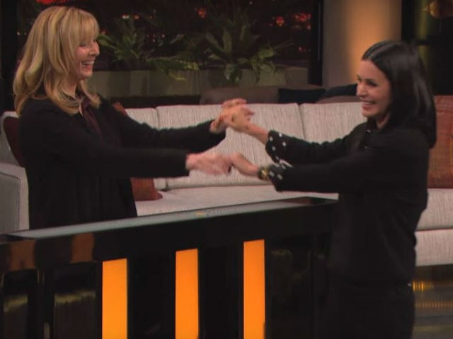 Courteney Cox, Lisa Kudrow Played F.R.I.E.N.D.S Trivia Match In Reunion