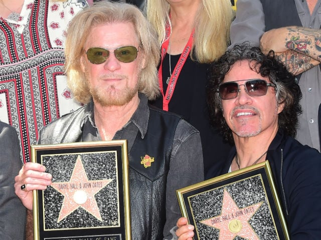 Rock Duo Hall & Oates Get Hollywood Walk of Fame Star