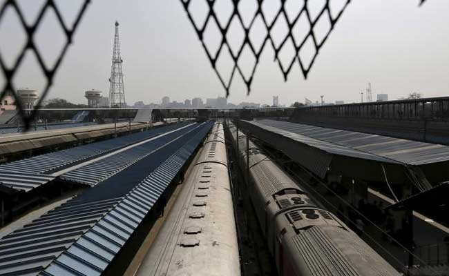Over 90 Thousand Contract Labourers Working In Railways