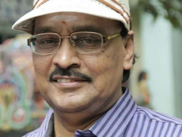 K Bhagyaraj Joins Vishal, Rakul Preet Singh in Thupparivaalan