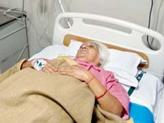 Mumbai: Woman Suffers Heart Attack In Train, But Emergency Chain Doesn't Work